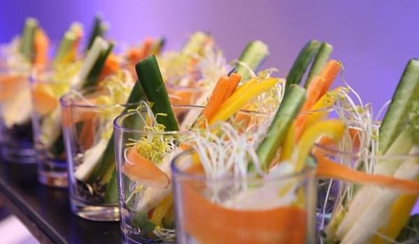 ירקות טריים במסעדה